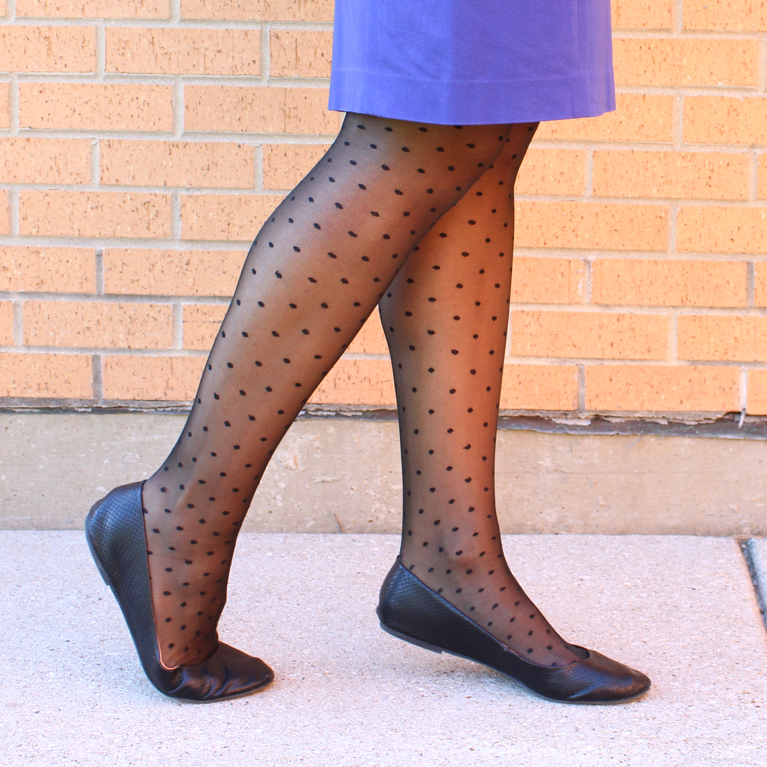 Women's Polka-Dot Pantyhose It's time to ditch your basic opaque tights and go for something a little more fun - polka-dot pantyhose are the perfect way to update your everyday looks. Team a sheer black pair with a leather mini skirt to channel this season's rock and roll vibe, or layer them under ripped jeans when the temperature drops.